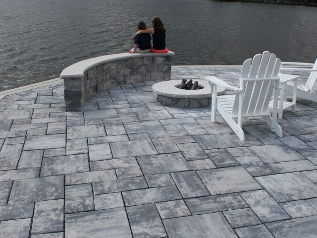 Concrete_Pavers_Interlocking_Installation02